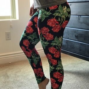 Cooperative Twisted Rose Emporium Logo Leggings And To Have A Long Life. Activewear